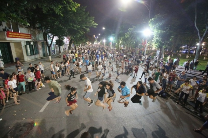 Hanoi to complete plan of expanding pedestrian streets around Hoan Kiem Lake